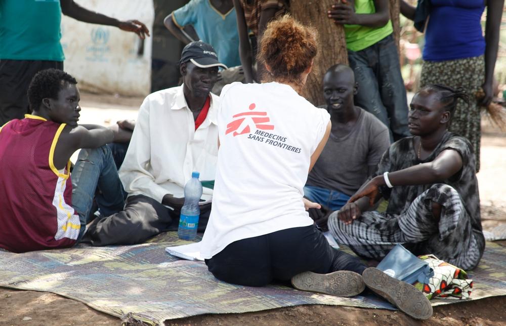 Elsa Chiuppi, infermiera di MSF, svolge attività di formazione a Pagak