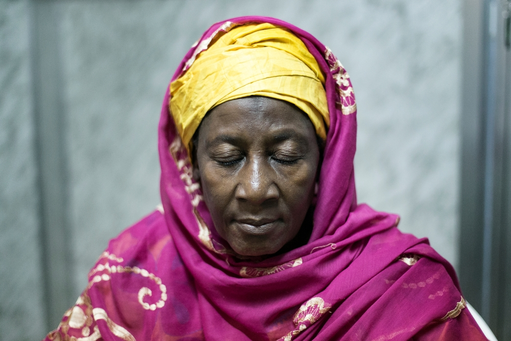 Salematou Camara, una sopravvissuta all'Ebola affetta da cataratta
