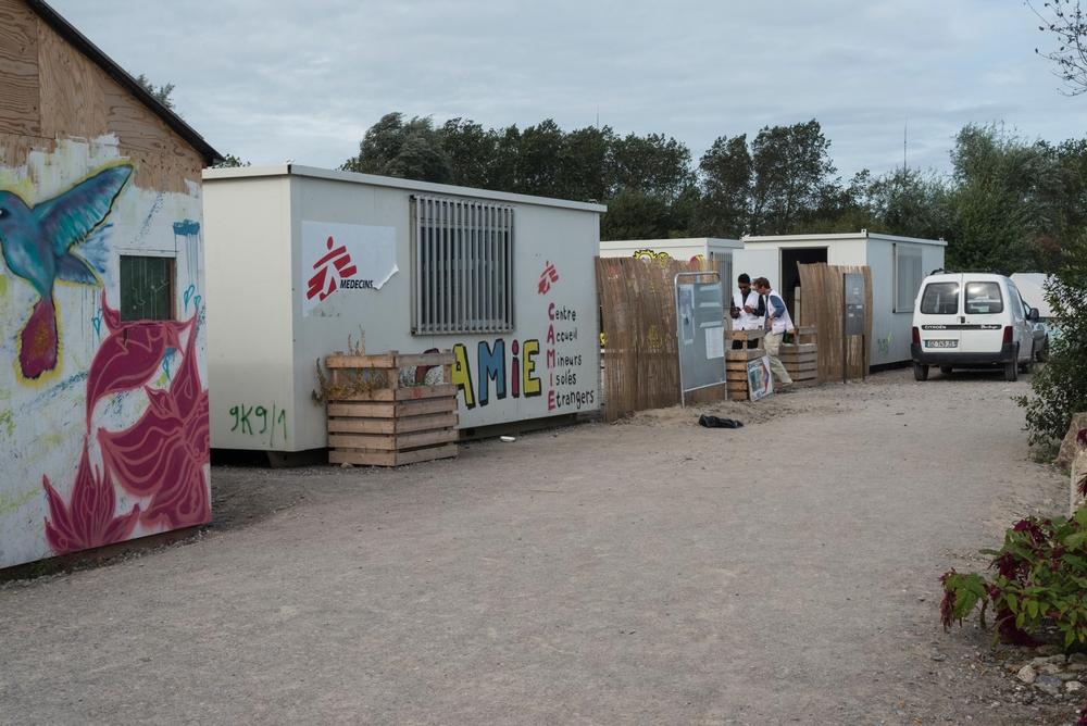 Il centro di MSF per minori stranieri non accompagnati, CAMIE, a Calais