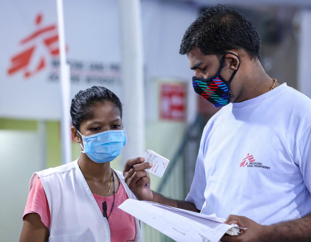 Coronavirus India: operatori MSF nel centro di trattamento