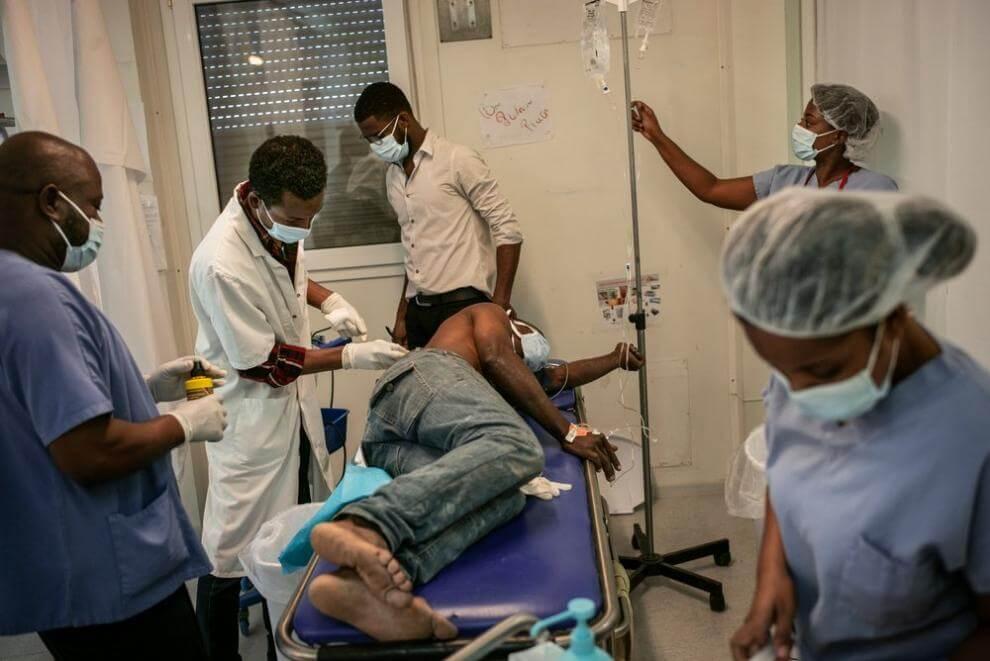 paziente viene preparato all'operazione all'ospedale di Tabarre, HAITI