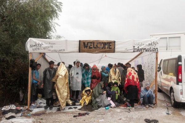 Centro di accoglienza in un campo a Lesbo
