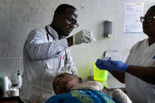 Cure mediche in un ospedale nel nord-ovest del Camerun