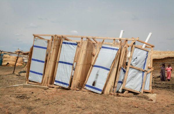 Latrine Al-Tanideba campo rifugiati MSF inSudan