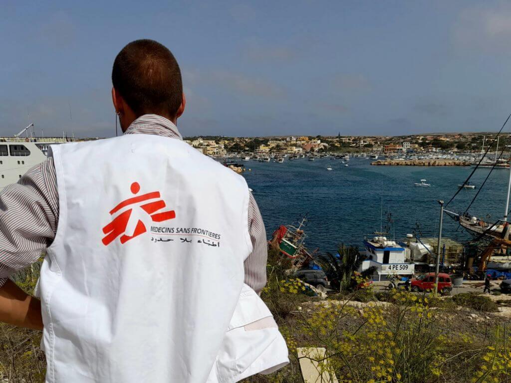 Operatore MSF a Lampedusa